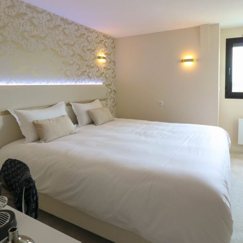 Contact - Deluxe deluxe rooms - 3 star hotel Rennes